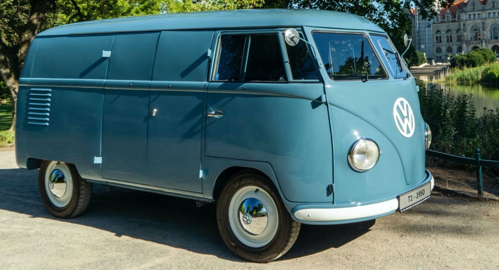 1950-VW-T1-Bulli-Sophie-0.thumb.jpg.016c252805cc33e370164cba4283b4f5.jpg
