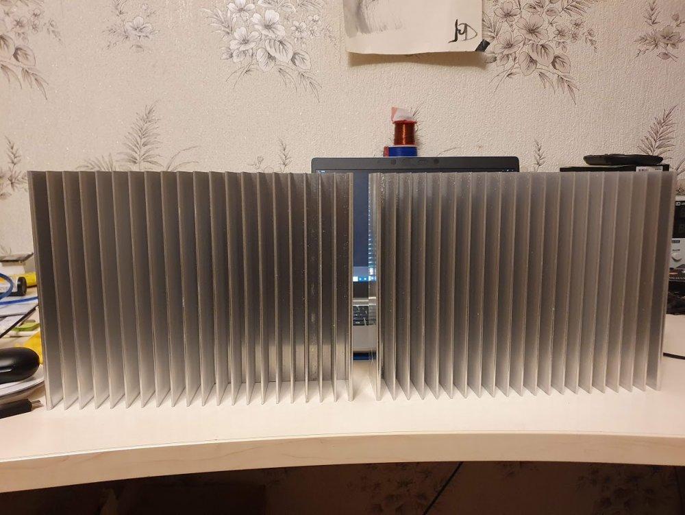radioatori.thumb.jpg.ca7aa54548fd59b133da5bb84bb31e1a.jpg
