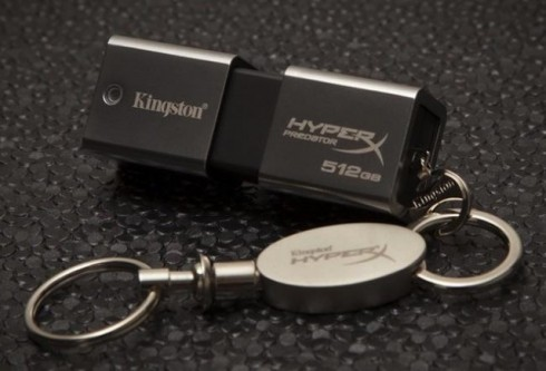 Kingston-DataTraveler-HyperX-Predator-3.0-1TB-USB-3.0-Flash-Drive-with-keychain-640x436