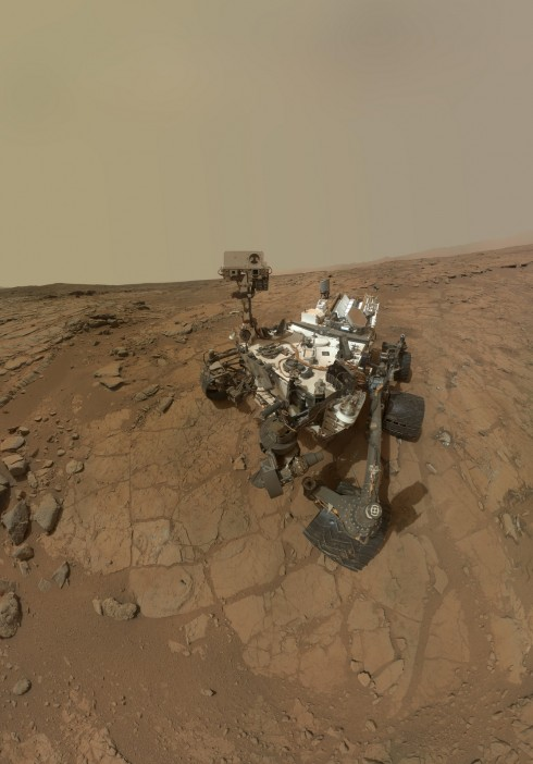mars-rover-curiosity-1st-sample-site-portrait