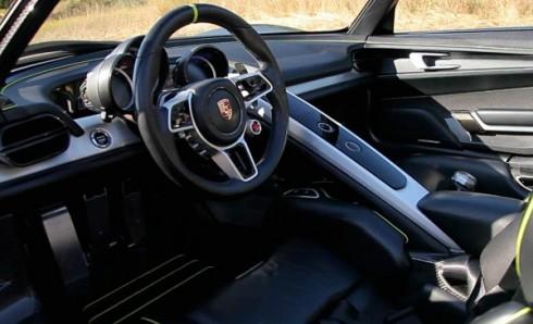 Porsche-918-Spyder-Monterey-Interior-Design